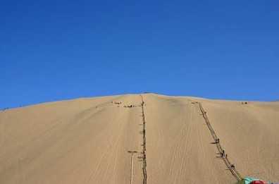 沙疗   沙药疗是翡翠岛生态游乐园与昌黎县著名老中医合作研制的